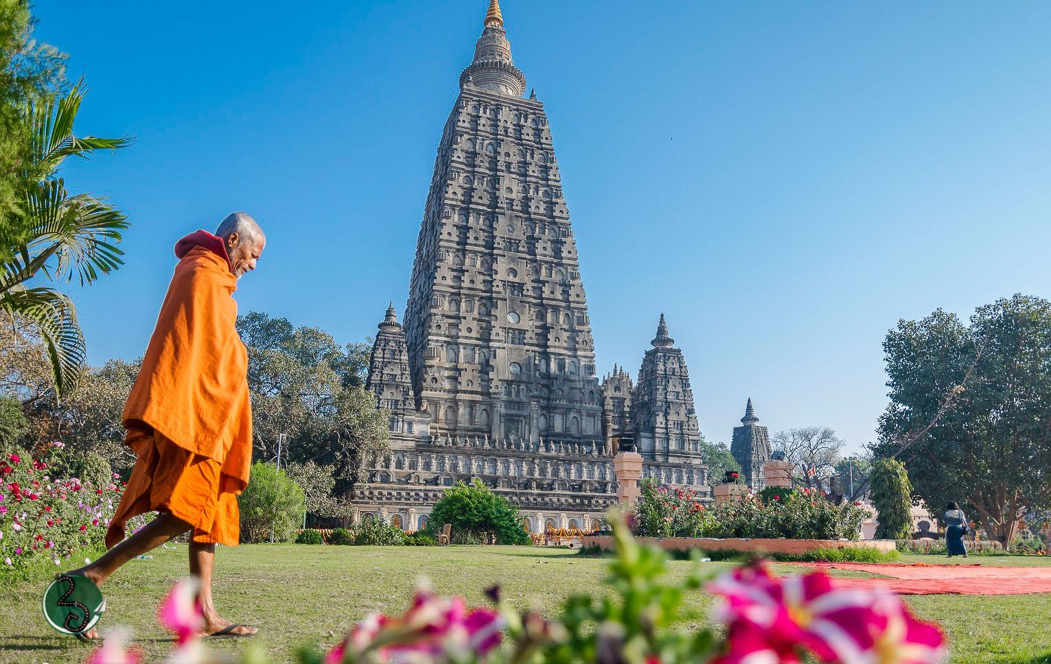 FOLLOWING-BUDDHAS-FOOTSTEPS-IN-BIHAR-2ghumakkar